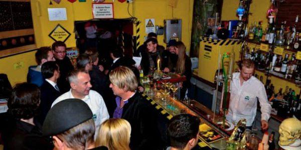 bar, bar berlin, zyankali bar, zyankali bar berlin, unterhaltungschemie, cocktails, cocktails kreuzberg, drinks, drinks kreuzberg, bar kreuzberg, insider berlin, berlin geheimtipps, tipps berlin, berlin insider, freunde treffen berlin, events, events berlin, location berlin, wochenende berlin, berlin weekend